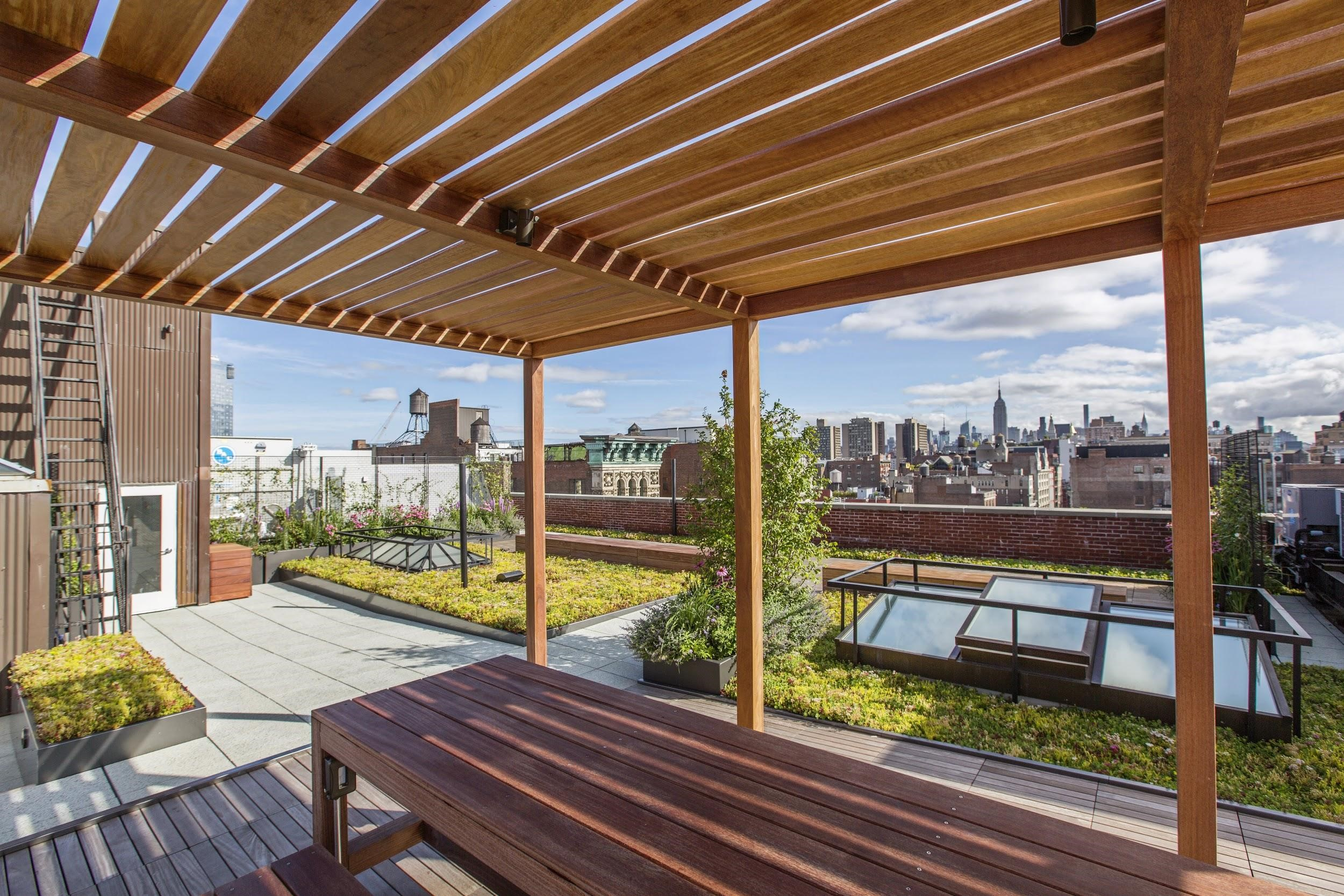 Developing a Rooftop Space for an Urban Getaway