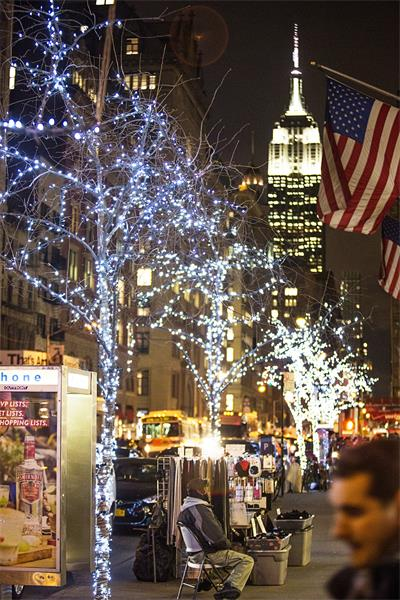 5th Ave Lights 1