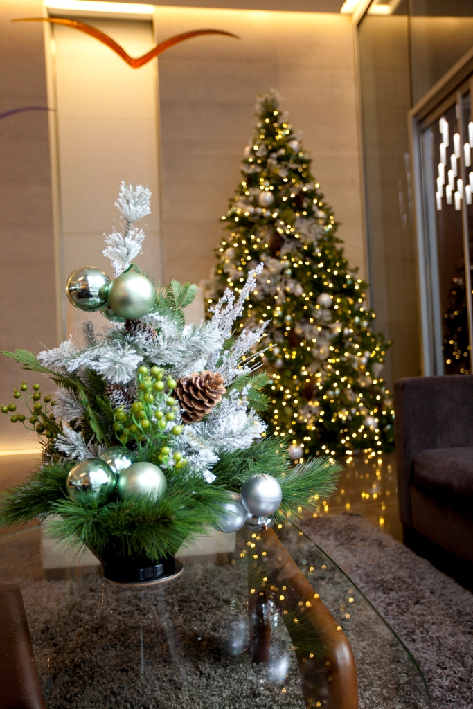 Residential Lobby Holiday